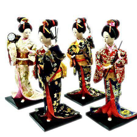 مجسمه دختر ژاپنی